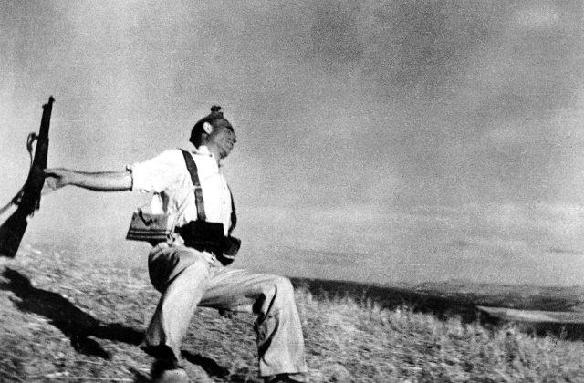 Raulgorta en módo ráfaga fotoperiodismo Robert Capa fotografía